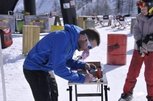 On ne saura jamais si c'est le charme de Pierre de chez dynastar ou les skis qui on fait le succès du stand ! (plus de soixante test)